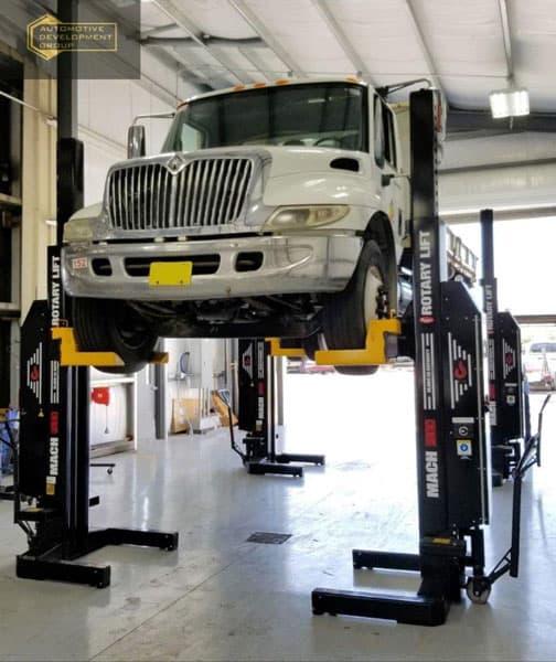 semi truck on heavy duty lift
